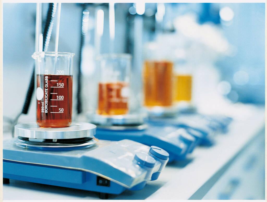 F & E im Labor, Beiersdorf, © Beiersdorf AG (Homepage) (06.02.2014)