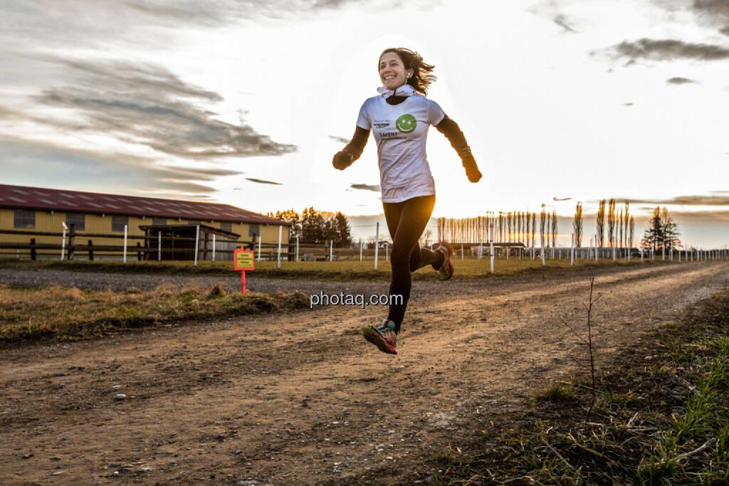 Anita Auttrit, runplugged, Smeil-Shirt in der bet-at-home edition, © finanzmarktfoto.at/Martina Draper (09.02.2014)