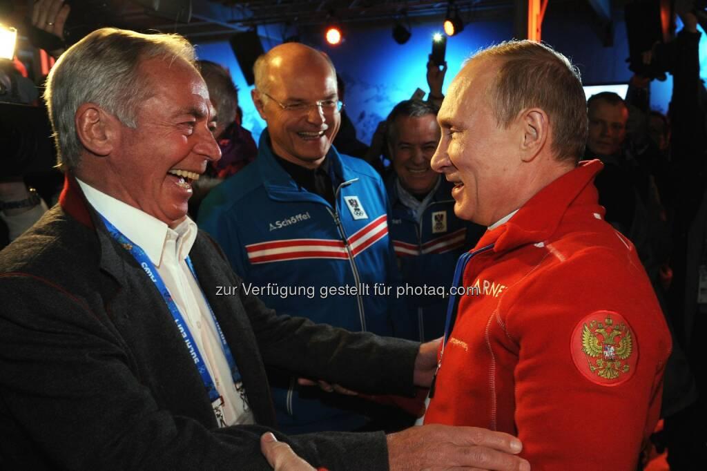 Karl Schranz, ÖOC-Präsident Karl Stoss, Wladimir Putin. Russlands Präsident Wladimir Putin besuchte bereits am zweiten Tag der Olympischen Spiele das Austria Tirol House. (C) ÖOC/Spiess, © Aussendung (10.02.2014)