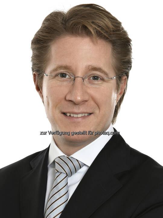 Wolfgang Tichy (37) wurde mit Februar 2014 zum Partner der zentraleuropäischen Rechtsanwaltskanzlei Schönherr ernannt. Der auf Immobilien- und IT Recht spezialisierte Anwalt ist seit 2005 bei Schönherr und seit seinem Eintritt in der Immobilienrechtspraxis tätig. (Bild: Schönherr)