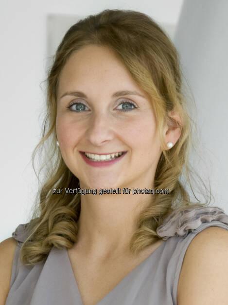 Paula Rys, Investor Relations Officer Strabag SE http://boerse-social.com/launch/aktie/strabag, © die jeweiligen Unternehmen (12.02.2014)