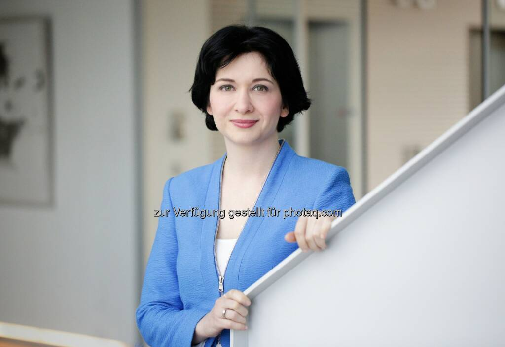 Diana Neumüller-Klein, Leiterin Konzernkommunikation und Investor Relations Strabag SE http://boerse-social.com/launch/aktie/strabag, © die jeweiligen Unternehmen (12.02.2014)