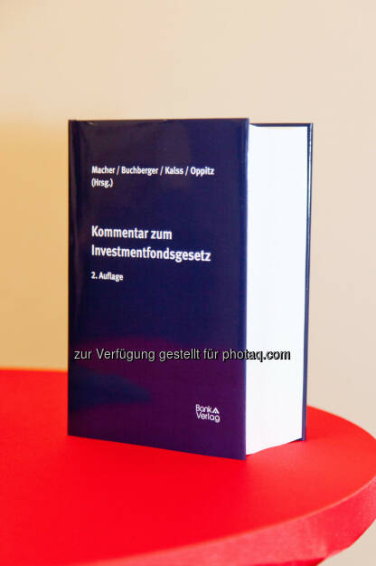 Der Kommentar zum Investmentfondsgesetz (2184 Seiten) (Bild: Foto Weinwurm) (12.02.2014)