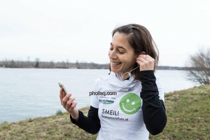Anita Auttrit, runplugged, Smeil-Shirt in der bet-at-home edition