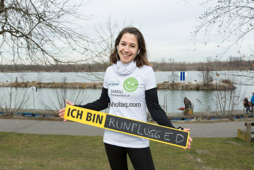 Anita Auttrit, runplugged, Smeil-Shirt in der bet-at-home edition (15.02.2014)