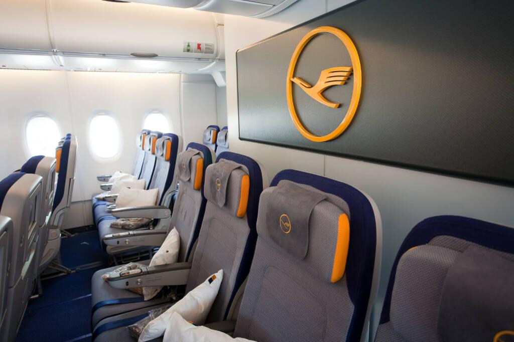 Economy-Class-Sitze in der A380, (C) Rolf Bewersdorf, © Lufthansa AG (Homepage) (17.02.2014)
