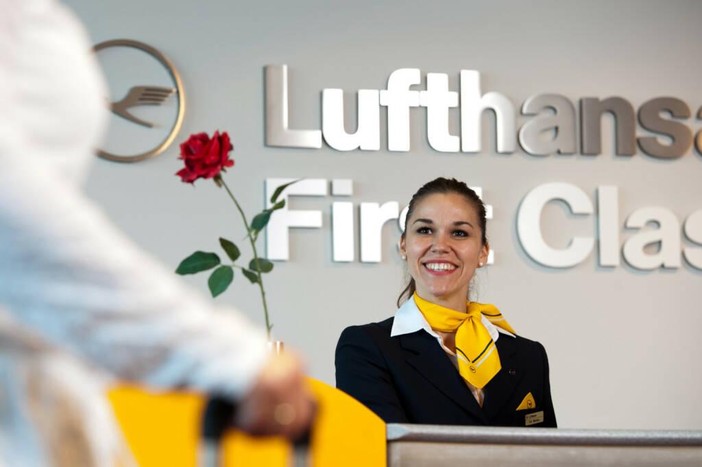 Station Frankfurt, First Class Schalter, Lufthansa AG (C) Rolf Bewersdorf, © Lufthansa AG (Homepage) (17.02.2014)