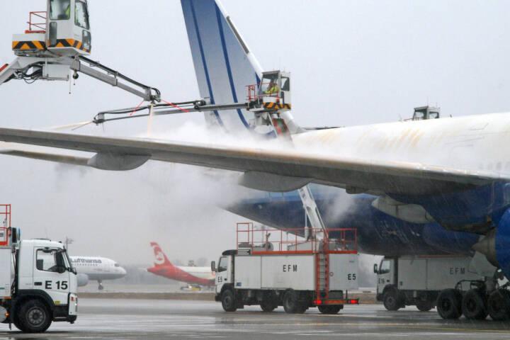 Flughafen Muenchen, Enteisung, Lufthansa AG, (C) Kerstin Roßkopp