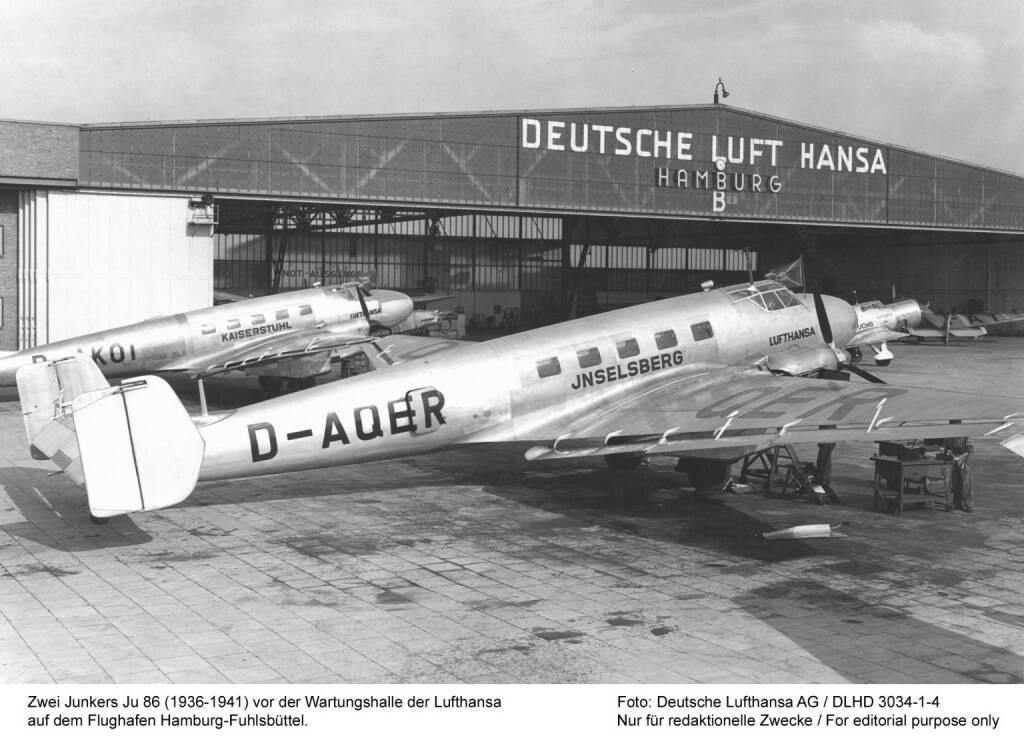 Zwei Junkers Ju 86 (1936-1941) vor der Wartungshalle der Lufthansa auf dem Flughafen Hamburg-Fuhlsbuettel.Foto: Deutsche Lufthansa AG / 1936DLHD3034-1-4, © Lufthansa AG (Homepage) (17.02.2014)