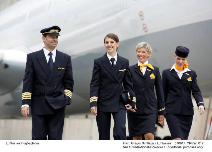 Lufthansa Flugbegleiter Foto: Gregor Schlaeger