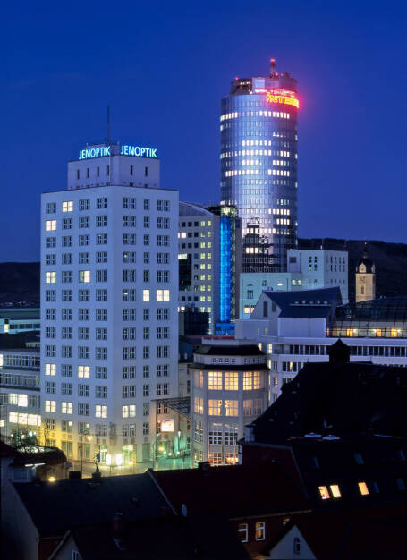 Ernst-Abbe-Hochhaus bei Nacht, Jenoptik AG, © Jenoptik AG (Homepage) (17.02.2014)