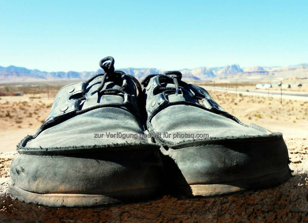 Going Somewhere?, Schuhe (2013) , © Dietmar Scherf (17.02.2014)