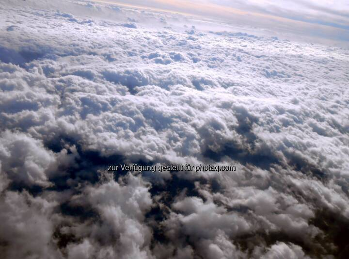 Above the Clouds, Wolken (2014)