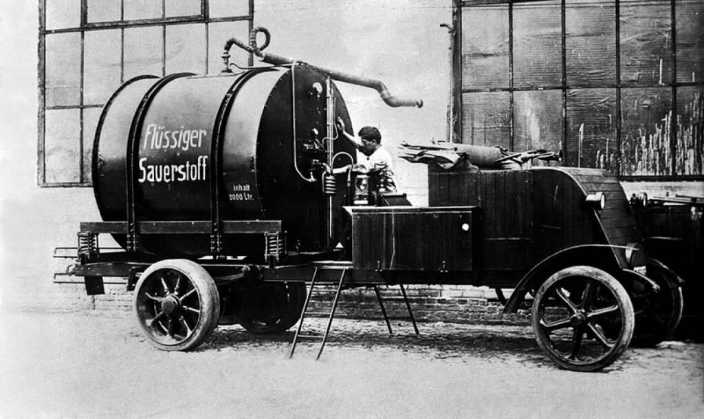 Im Jahr 1900 baute der Erfinder Paulus Heylandt den ersten Kesselwagen für Flüssigsauerstoff, genannt Laubfrosch. Linde AG, © Linde AG (Homepage) (18.02.2014)