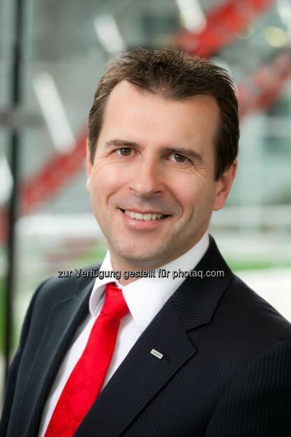 Alfred Wurmbrand (Geschäftsführer Würth) erzielte im abgelaufenen Geschäftsjahr mit EUR 170,1 Mio. einen neuerlichen Umsatzrekord. Mit 2,8 % Steigerung im Vergleich zum Vorjahr liegt Würth Österreich im Konzernvergleich an fünfter Stelle der Würth Gesellschaften. (Bild: Würth) (19.02.2014)