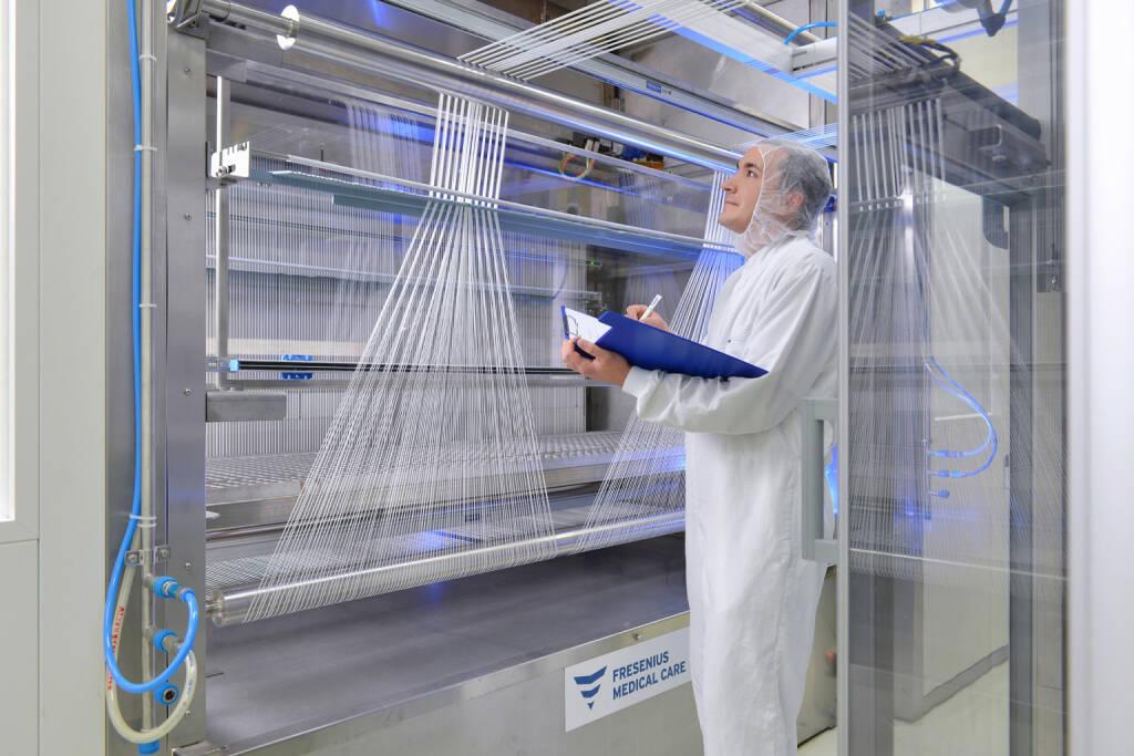 Produktion Dialysatoren, Fresenius AG, © Fresenius AG (Homepage) (21.02.2014)