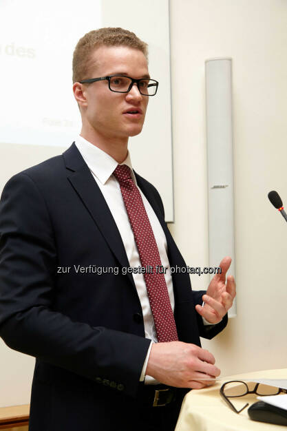 "Preisträger 2013 Ethik in der Wirtschaft"" Anerkennungspreis 1000 Euro an Matthias Lahninger für die Diplomarbeit: Corporate Social Responsibility und Reputation als Größen des Corporate Risk Management , © IVA (24.02.2014)"