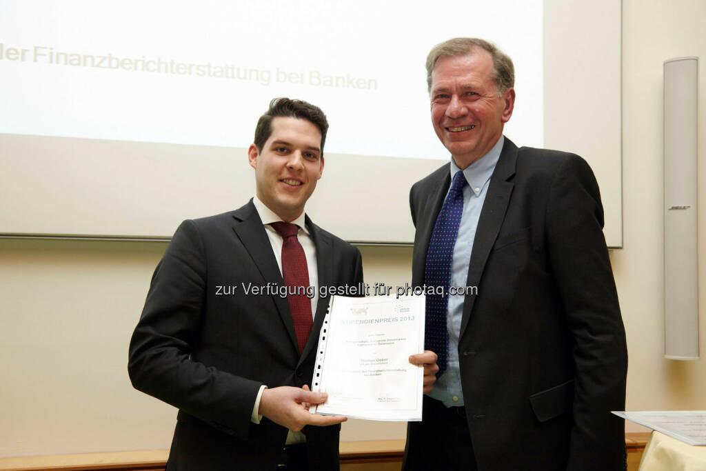 """Thomas Gaber - Anerkennungspreis für die Dissertation """"Die Qualität der Finanzberichterstattung bei Banken""""  im Wert von 1000 Euro , © IVA (24.02.2014)"""