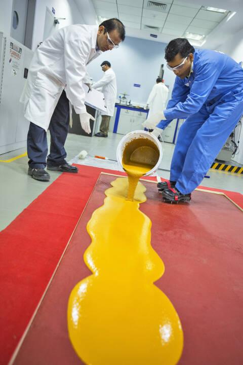 Ucrete® ist ein mechanisch, thermisch und chemisch hoch belastbares Polyurethanbetonsystem. BASF