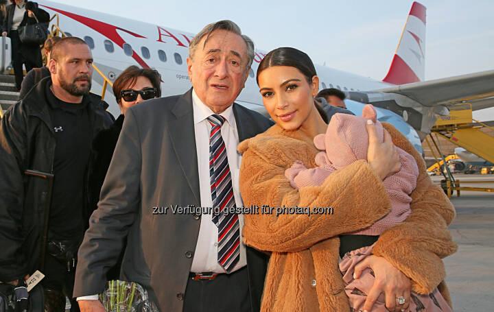 Austrian bringt Kim Kardashian zum Opernball: Richard Lugner, Kim Kardashian mit Tochter North