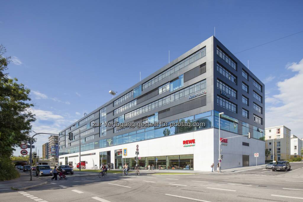 CA Immo hat für das Büro-, Ärzte und Geschäftsgebäude Ambigon in München zwei Mietverträge über insgesamt rund 1.500 m² Mietfläche abgeschlossen. Mieter sind die Unternehmensberatung Edelweiß & Berge (rd. 680 m²) sowie die Post Immobilien GmbH (rd. 820 m²) (Bild: CA Immo) (03.03.2014)