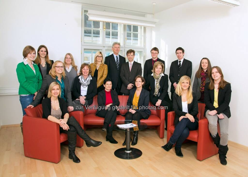 Ecovis Scholler Team - Aufgrund der Expansion und damit auch des steigenden Platzbedarfs bezog die Steuerberatungskanzlei Ecovis Scholler neue Büroräumlichkeiten in St. Pölten. (Bild: Ecovis) (03.03.2014)