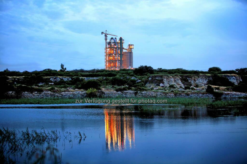 ThyssenKrupp Industrial Solutions, der Anlagenbauspezialist des ThyssenKrupp Konzerns, hat einen Auftrag für den Bau einer Zementklinkerproduktionslinie in Algerien erhalten.  (04.03.2014)