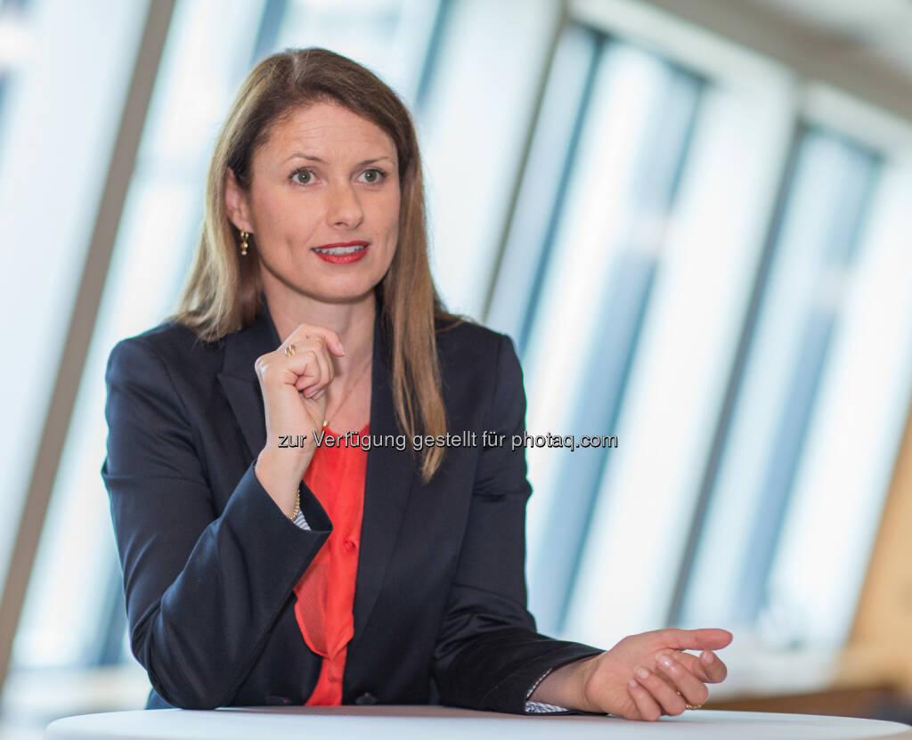 Birte Quitt, Vertriebsleiterin der Erste Bank, präsentierte zum Weltfrauentag 2014 eine repräsentative IMAS-Studie. Sample: Insgesamt wurden n=500 Interviews in ganz Österreich (Bevölkerung 18+ Jahre) durchgeführt. , © Erste Bank / IMAS Studie zum Weltfrauentag 2014 (07.03.2014)