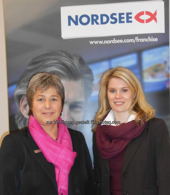 Franchiseberaterin Waltraud Martius von Syncon (l.) und Anja Haverkamp, Leiterin Franchise bei Nordsee: Weiteres Wachstum durch Franchising geplant. (10.03.2014)
