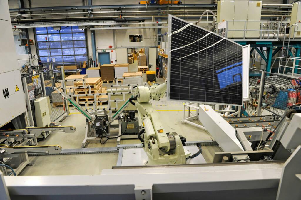 Solarzellen - Rahmung, SolarWorld AG, © SolarWorld AG (Homepage) (16.03.2014)