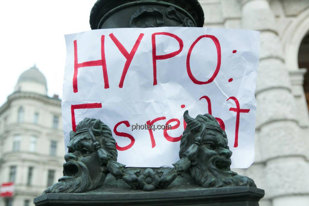 Hypo, Es reicht - Hypo Demonstration in Wien am 18.03.2014, © teilweise www.shutterstock.com (18.03.2014)