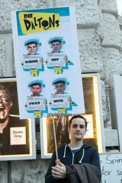 Die Daltons Werner, Sepp, Ewald, Michi Hypo Demonstration in Wien am 18.03.2014, © Martina Draper/finanzmarktfoto.at (18.03.2014)