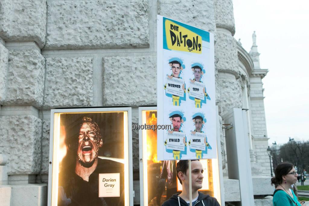 Dorian Gray - Hypo Demonstration in Wien am 18.03.2014, © Martina Draper/finanzmarktfoto.at (18.03.2014)