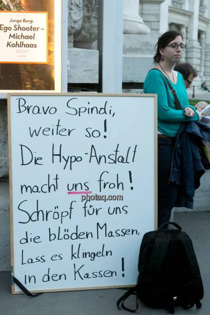 Ego Shooter vs. Hypo-Anstalt - Hypo Demonstration in Wien am 18.03.2014, © Martina Draper/finanzmarktfoto.at (18.03.2014)