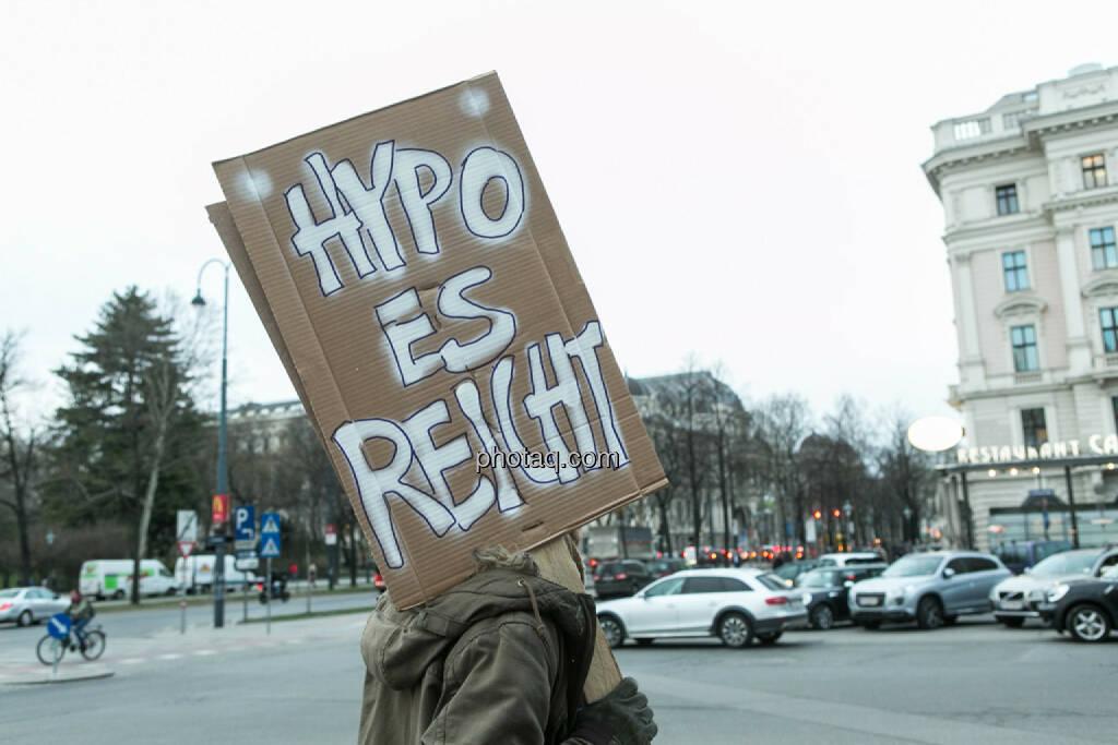 Hypo es reicht Hypo Demonstration in Wien am 18.03.2014, © Martina Draper/finanzmarktfoto.at (18.03.2014)