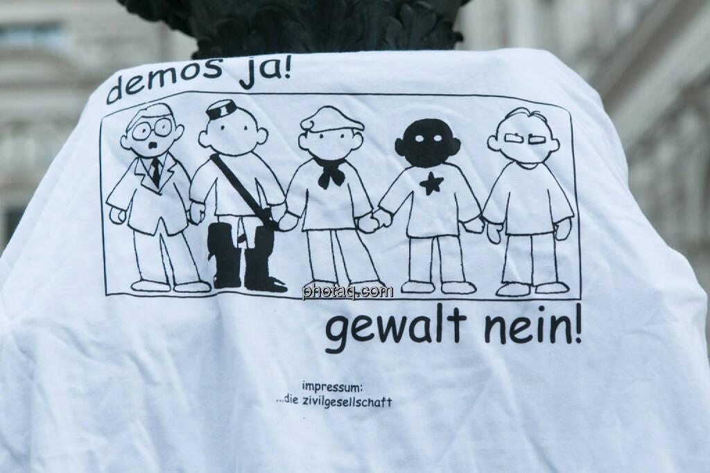 Demos ja - Gewalt nein - Hypo Demonstration in Wien am 18.03.2014, © Martina Draper/finanzmarktfoto.at (18.03.2014)