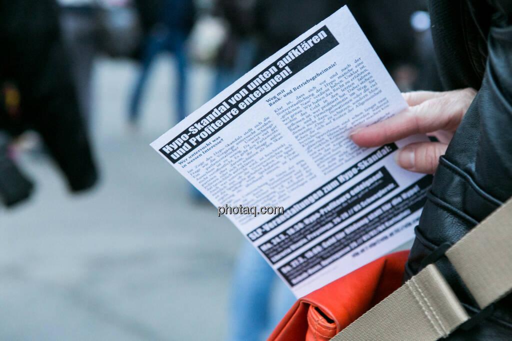 Profiteure enteignen - Hypo Demonstration in Wien am 18.03.2014, © Martina Draper/finanzmarktfoto.at (18.03.2014)
