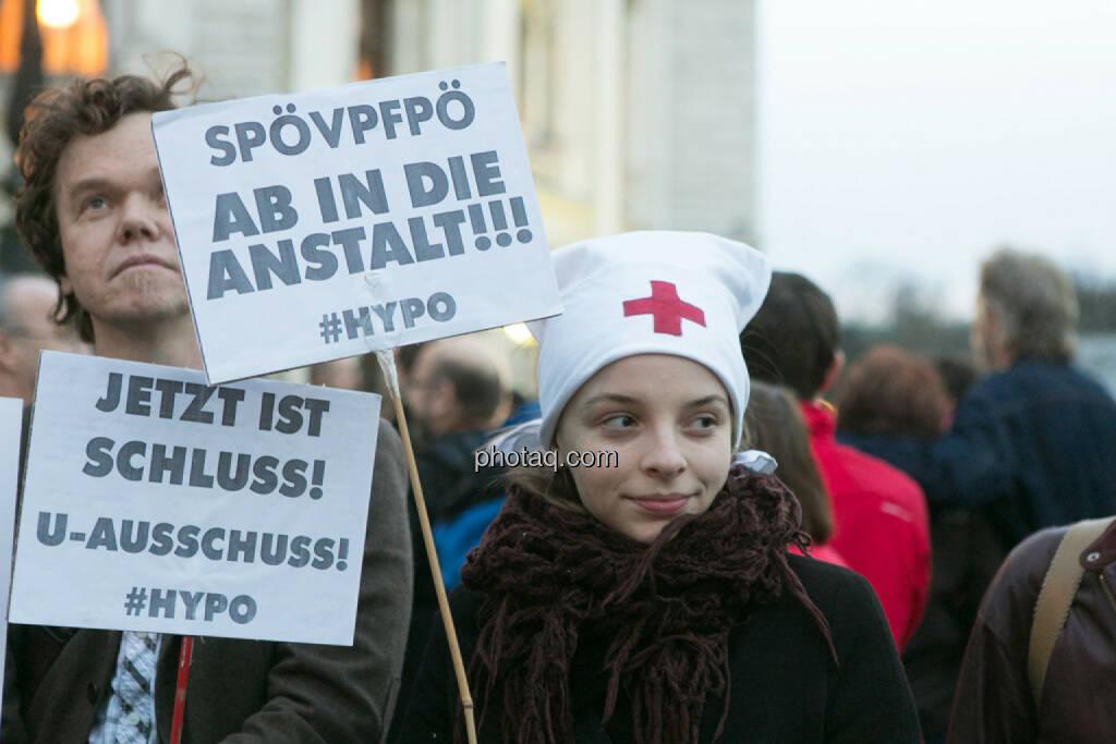 Jetzt ist Schluss - Hypo Demonstration in Wien am 18.03.2014, © Martina Draper/finanzmarktfoto.at (18.03.2014)