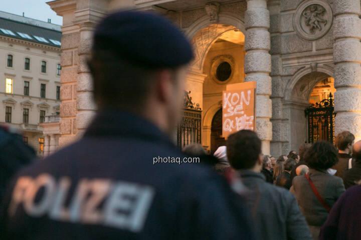 Polizei Hypo Demonstration in Wien am 18.03.2014
