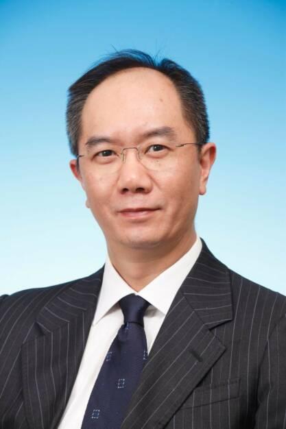 """Anthony Chan, Volkswirt bei ACMBernstein in Hongkong: Die zeitweiligen Wertschwankungen des Renminbi und die kürzlich angekündigte Lockerung des Wechselkursspielraums ändern nichts am langfristigen Aufwertungspotenzial der chinesischen Währung. Zu diesem Urteil gelangen die Experten von ACMBernstein in ihrem aktuellen Marktkommentar. Sie sehen in diesen Schritten keinesfalls ein Signal, wonach die Regierung in Peking von ihrer Politik der kontrollierten Aufwertungen abweichen könnte. """"Wir glauben vielmehr, dies ist ein wichtiges Signal der Regierung, dass die Finanzreformen fortgeführt werden"""", © Aussendung (19.03.2014)"""