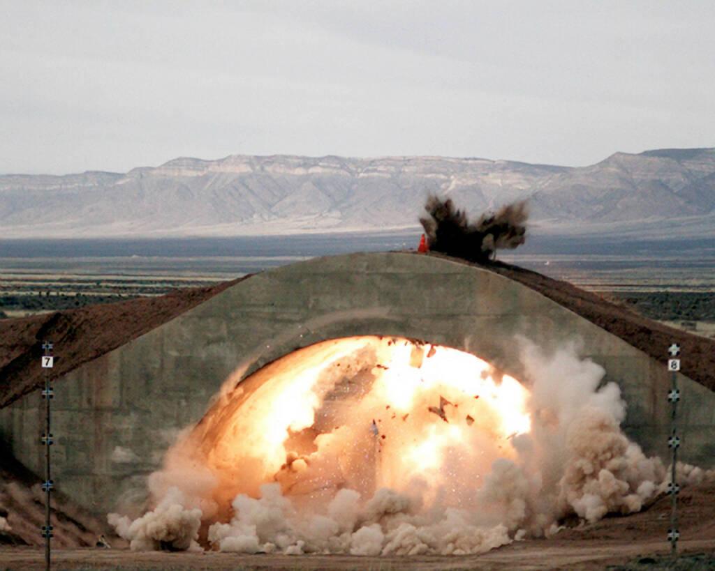 SDB bridge aircraft explosion, Boeing Company, © Boeing Company (Homepage) (20.03.2014)