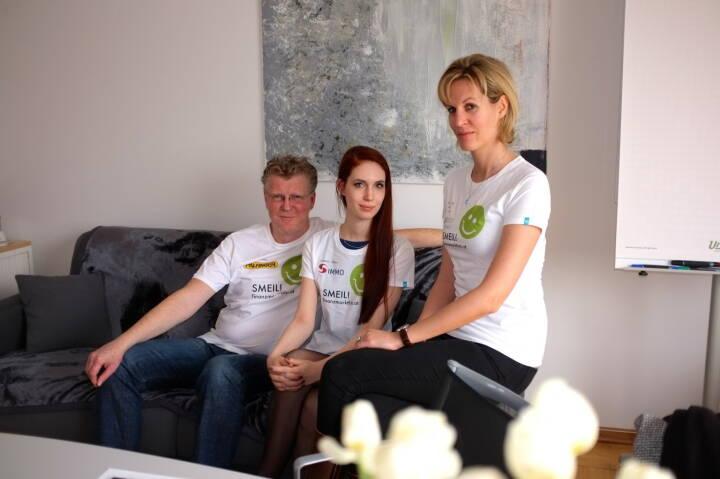 (Aigner) PR-Smeil: Peter Aigner, Kati Dollenz, Heidi Schuller-Hrusa (Shirts aus der Palfinger-, S Immo- und philoro-Edition)