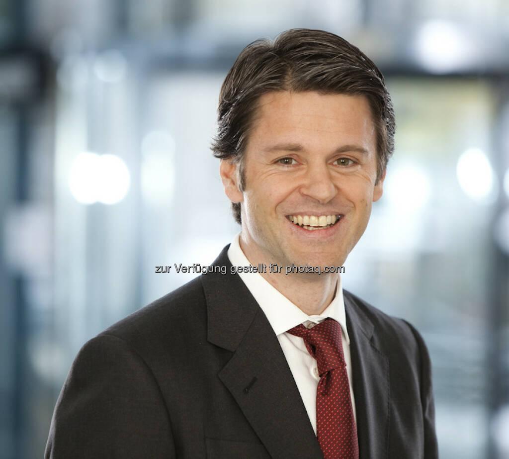 Thomas Steiner, Vertriebsdirektor, apano: In meinem Namen und in dem von apano wünschen wir Euch für finanzmarktfoto.at einen guten Start! Es ist wie immer eine großartige Idee. Es gibt wenige Menschen wie Euch, die in der Finanz-Community für neue Ideen und frischen Schwung sorgen. Die Begeisterung und Liebe für die österreichischen Finanzplatz und seine Menschen ist unübertroffen. Ich hoffe, Choose Optimism setzt sich 2013 durch, sodass wir viele freudige Gesichter auf der neuen Website sehen (15.12.2012)
