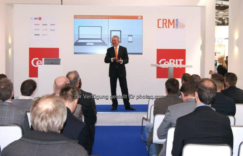 Vortrag Thomas Deutschmann, CEO update software AG: Social CRM - Warum eigentlich? Hier Aufzeichnung ansehen:  http://bit.ly/WarumSocialCRM, © update (25.03.2014)