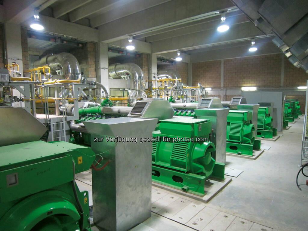 GE liefert zwei Jenbacher Gasmotoren für Textilfabriken von Tata Energy in Pakistan. Hier zu sehen: Gasmotoren des gleichen Typs in einem Kraftwerk der Karachi Electric Supply Corporation (KESC)  (Bild: Jenbacher) (26.03.2014)