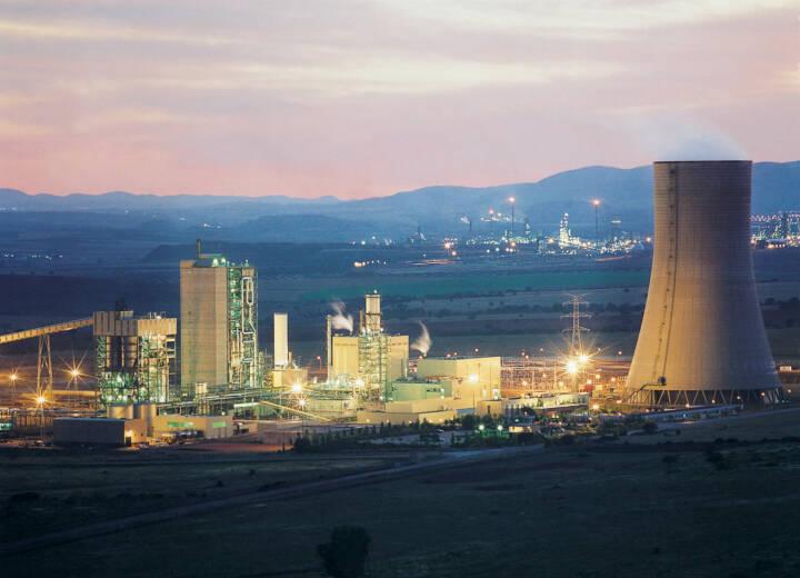 Das Gas- und Dampfturbinen(GuD)-Kraftwerk mit integrierter Kohlevergasungsanlage in Puertollano, Spanien, Siemens AG