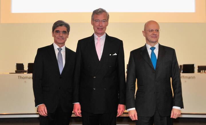 Joe Kaeser, Vorsitzender des Vorstands der Siemens AG, Gerhard Cromme, Vorsitzender des Aufsichtsrats der Siemens AG und Ralf P. Thomas, Mitglied des Vorstands der Siemens AG und Leitung Finance and Controlling.