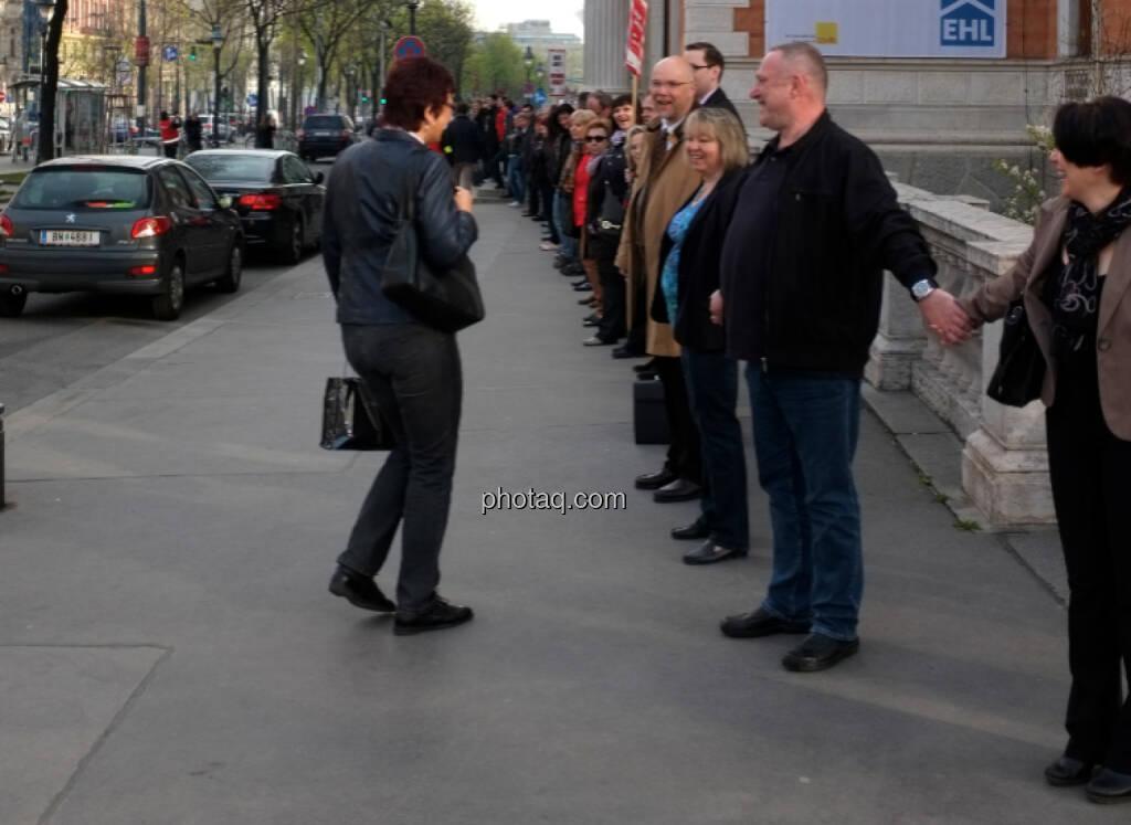 Banker-Menschenkette (31.03.2014)