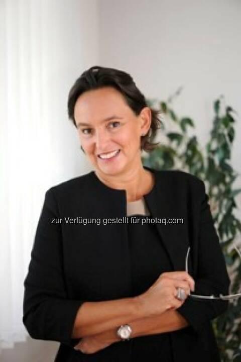 Alexandra Bolena neu im Consulting-Team von Susanne Lederer-Pabst:  Ab April wird die ehemalige Politikerin Alexandra Bolena das Team 4-your-biz verstärken und ausländische Fondsgesellschaften beim Markteintritt in Österreich beraten und begleiten. Bolena war von 2002 bis 2013 bei ARC Absolute Return Consulting beschäftigt und ab 2007 als Geschäftsführerin für das Unternehmen verantwortlich. Die Finanzexpertin hat in den letzten Jahren maßgeblich zum Erfolg namhafter ausländischer Fondsgesellschaften in Österreich beigetragen.