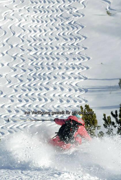Lech Zürs am Arlberg, Skifahrerin bei Wiesele (Bild: Sepp Mallaun LZTG), ©   (03.04.2014)